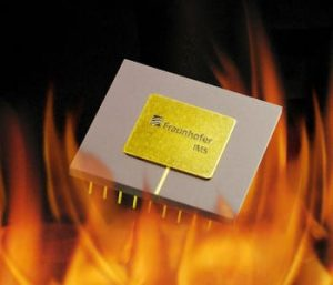 Keeping their cool at 300 °C: the especially compact microchips of Fraunhofer IMS. Image copyright Fraunhofer IMS.
