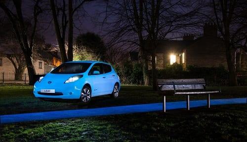 Nissan torna-se a primeira fabricante a aplicar pintura que bril