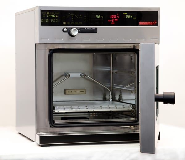 First Cooled Vacuum Oven