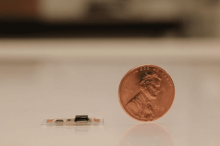 Tiny electronic device can monitor heart, recognize speech