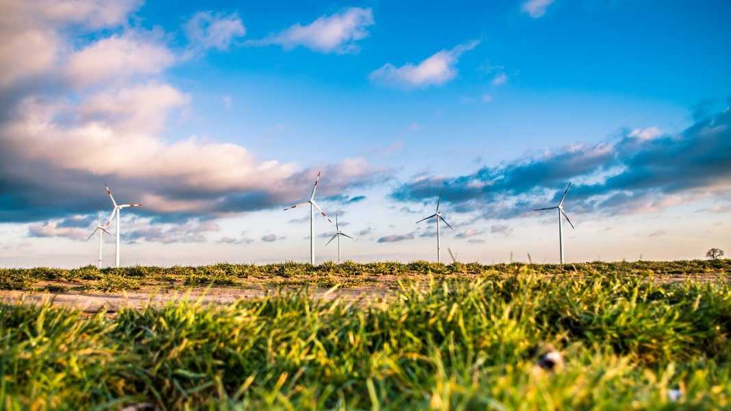 Tools to Assess Effects of Variable Renewable Energy Generation on Power/Energy Systems