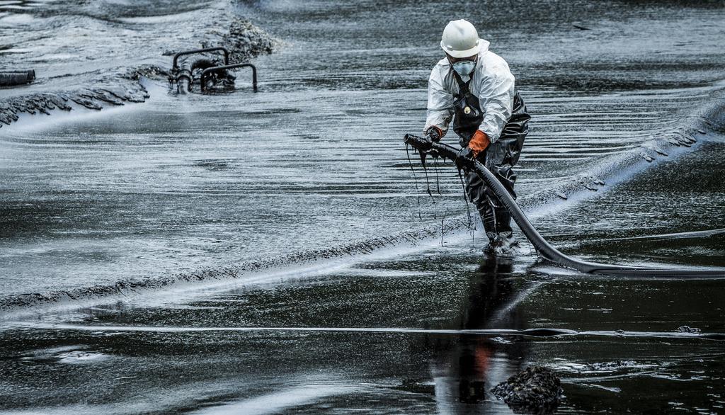 New Plasma Sponge For Oil Spill Cleanups