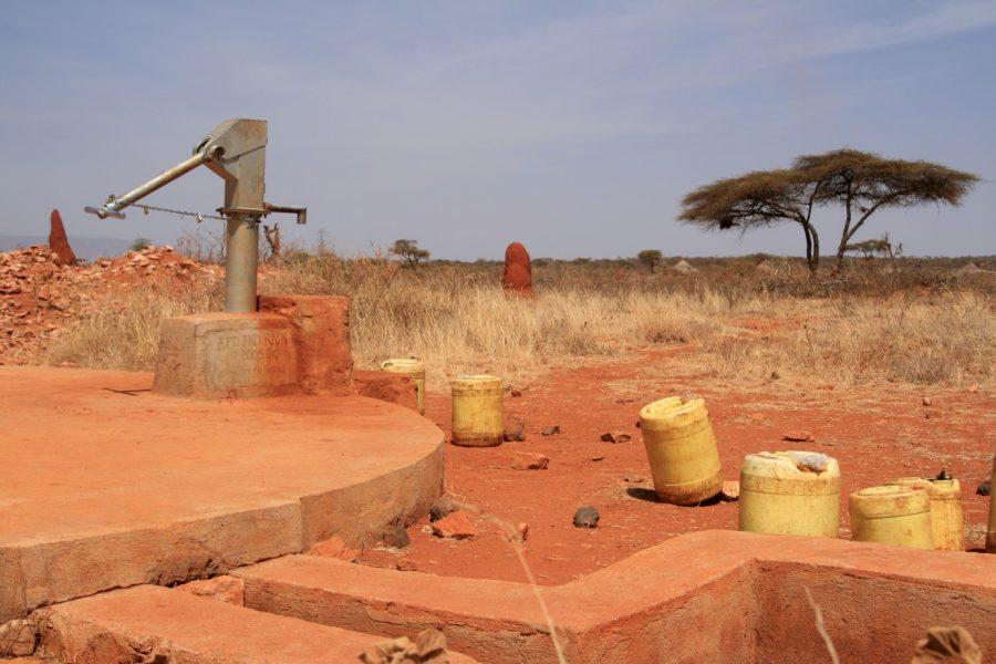 Integrating Human Behavior Dynamics into Drought Risk Assessment