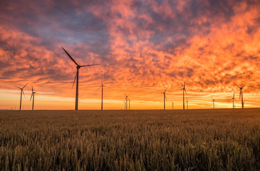 Participation of Wind Power Producers in Day-Ahead and Balancing Markets