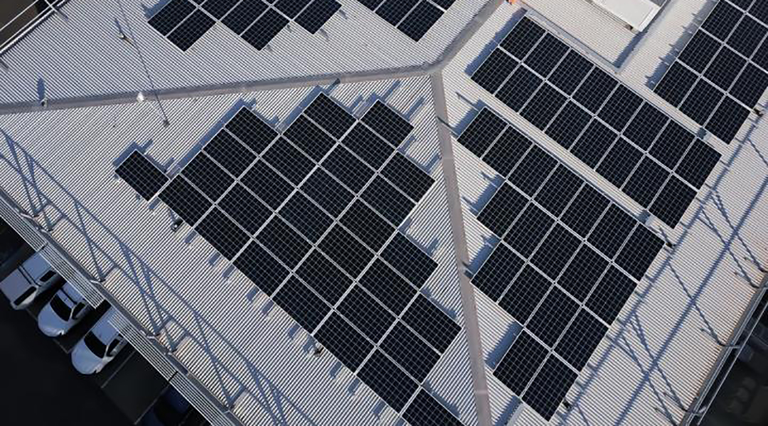 Mixing it up: A low-cost way to make efficient, stable perovskite solar cells